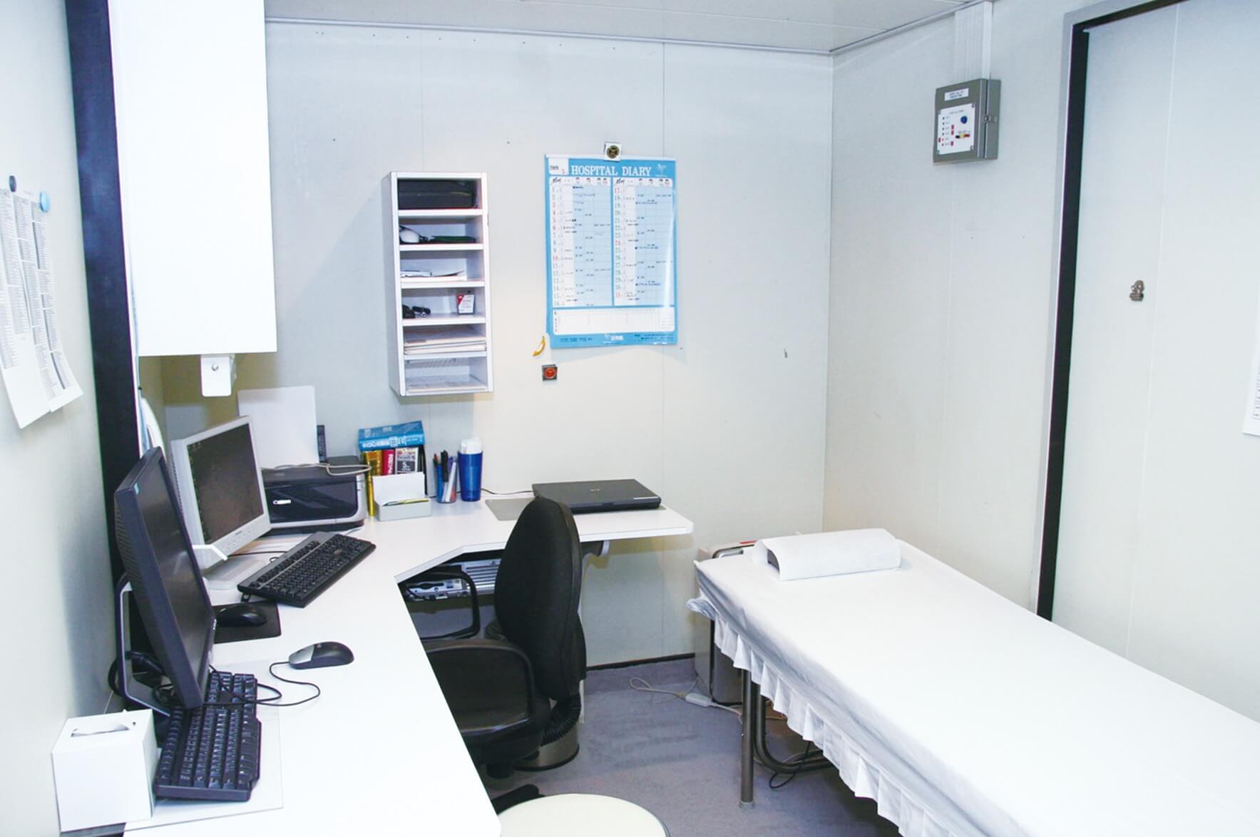 診療室(メディカルセンター)