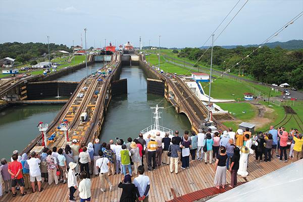 パナマ運河通航